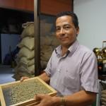 CENCOIC est une organisation de producteurs colombienne, active dans une région de conflit. L'organisation cherche à sauvegarder la culture et les pratiques indigènes, promouvoir la récupération des semences natives et améliorer les revenus de ses membres en renforçant la production et la commercialisation de café, selon des pratiques équitables et dans un souci de préservation de l'environnement. L'ancrage local très important de la structure, ses principes d'agroécologie et bien entendu sa volonté de promotion de son patrimoine agricole en fait une organisation impliquée dans la TES qu'il est important d'accompagner dans son développement.